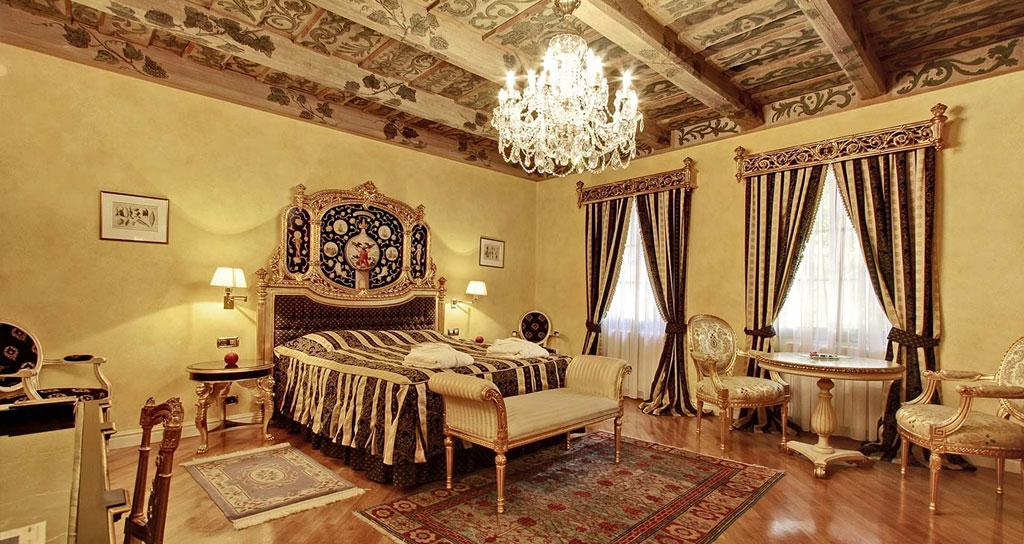 Come arredare un hotel in stile barocco - HF Arredo Contract